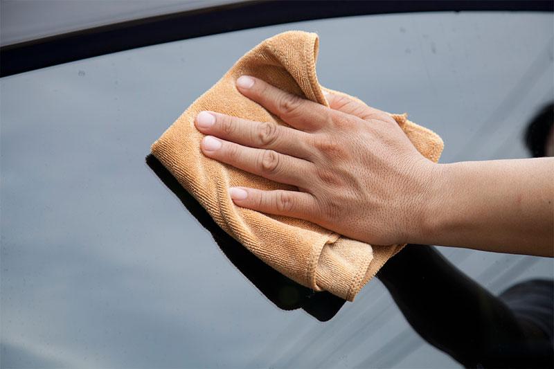 التنظيف قبل لف السيارة